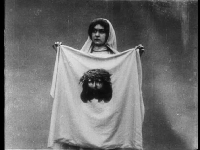 Figure 3.5, Veronica exhibits the image of Christ on the cloth La Vie du Christ, 1906